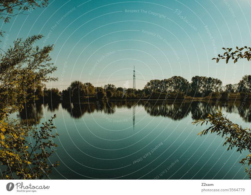 Weiher see weiher bayern blau natur streucher bäume grün Himmel See Reflexion & Spiegelung Wasser ruhig Menschenleer