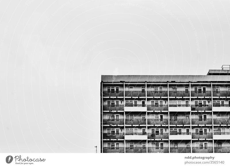 Tristesse in London England Architektur Stadt Gebäude Haus Menschenleer Vorort Außenaufnahme Fassade Einsamkeit Bauwerk