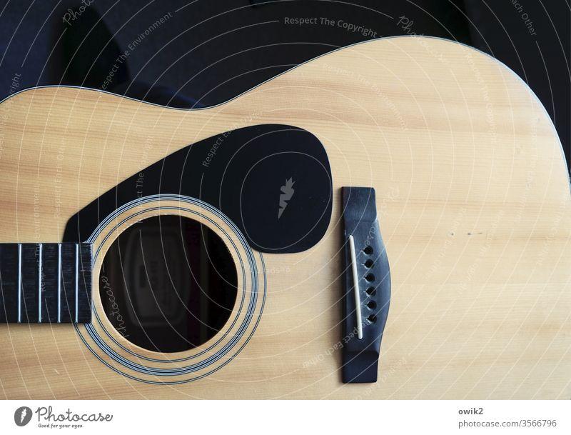 Sound of Silence Gitarre ohne Saiten Corpus Schalloch Musik Musikinstrument Holz Klang Freizeit & Hobby Innenaufnahme Saiteninstrumente hinderlich Stille Ruhe