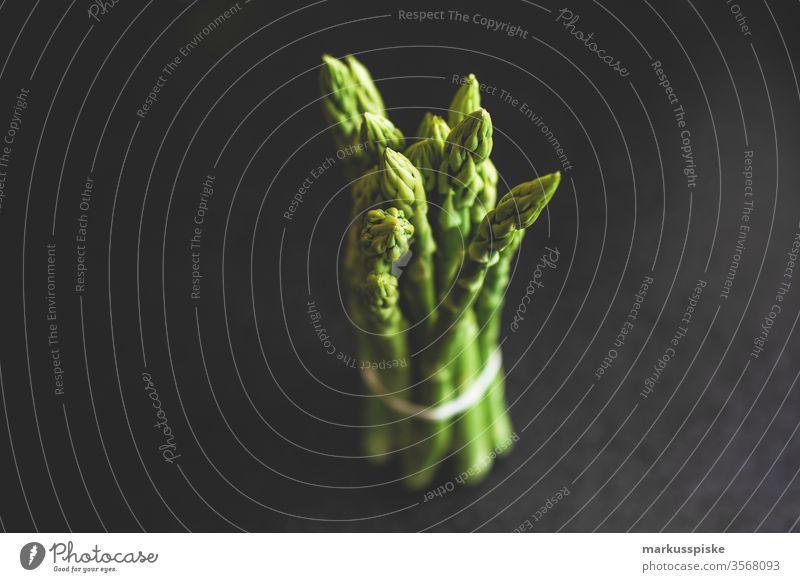 Frischer Bio Spargel vom Bauernmarkt frisch Gemüse Gemüsemarkt Bioprodukte Biologische Landwirtschaft bio bund Bündel