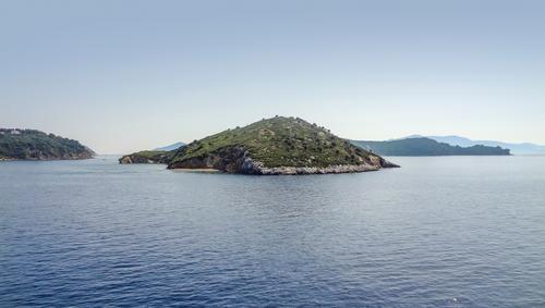 um Skiathos in Griechenland sporaden skiathos griechenland Küste Ägäisches meer Meer insel ozean Ufer sonnig Sommer Urlaub Landschaft außen idyllisch friedlich