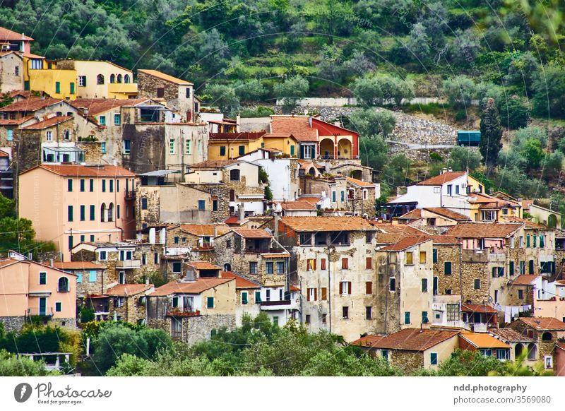 italienisches Bergdorf Italien italienisches Dorf Menschenleer Architektur Idylle Urlaub Urlaubsstimmung Ferienwohnung la dolce vita romantische Orte