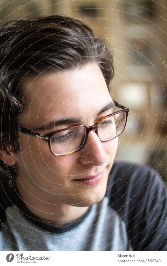 junger Mann Junger Mann junger erwachsener Ein junger erwachsener Mann 1 Mensch Gesicht Jugendliche Erwachsene 18-30 Jahre Männergesicht Porträt