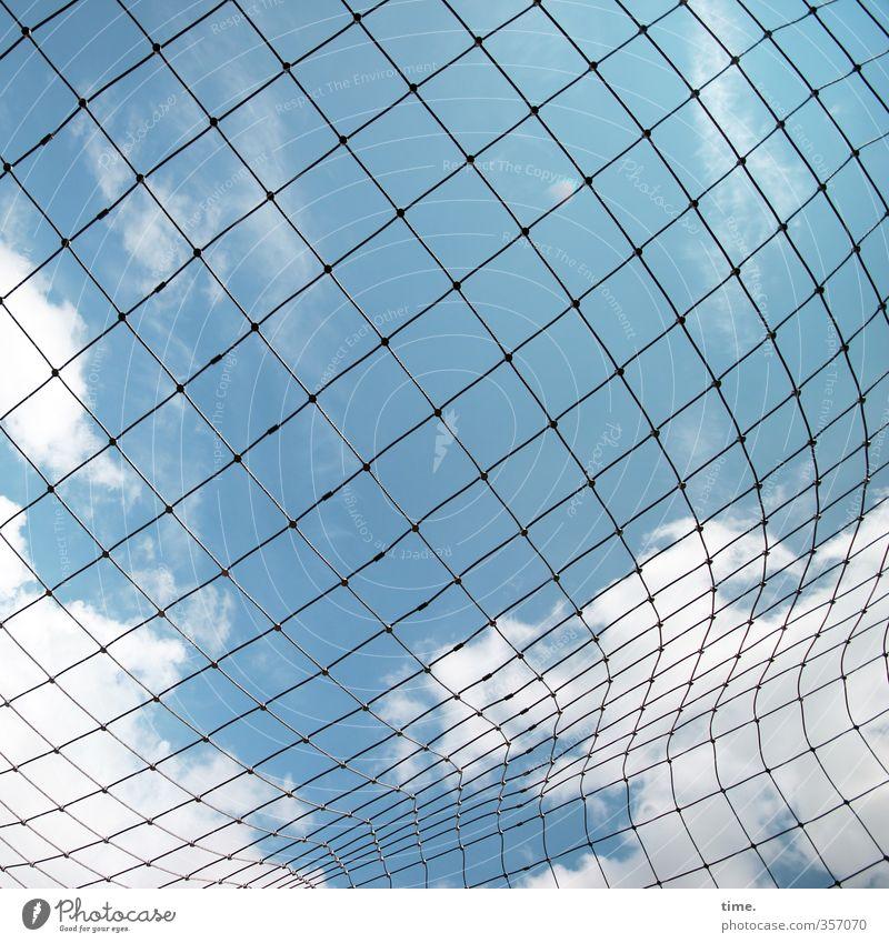 squares in motion Himmel Wolken Schönes Wetter Netz Netzwerk Loch Knoten Stoff Kunststoff dünn Bewegung Design einzigartig entdecken Kommunizieren Ordnung