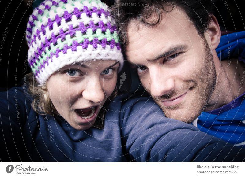 Mensch Jugendliche blau Junge Frau Erwachsene Junger Mann 18-30 Jahre Gefühle Glück Paar Freundschaft Zusammensein blond Lächeln Fröhlichkeit Coolness
