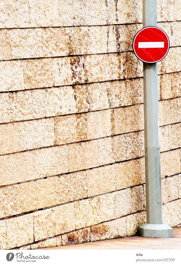 Mauereinfahrt verboten Verbote Einbahnstraße Verkehr Schilder & Markierungen Einfahrt verboten Strommast Hinweisschild