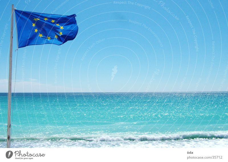 Europäische Einheitsflagge Fahne Europa Meer Strand obskur Côt d'Azur Aussicht Sonne