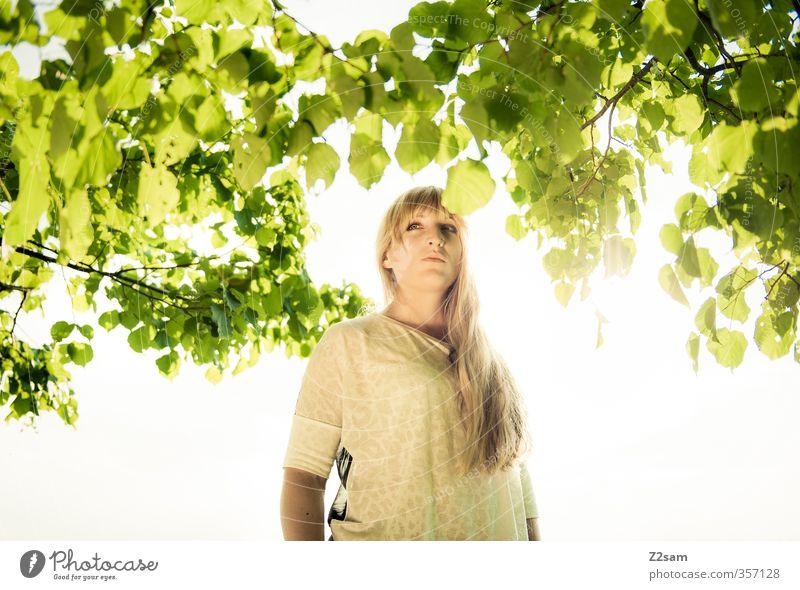 Summerfeeling IV Mensch Himmel Natur Jugendliche grün schön Sommer Sonne Baum Erholung Landschaft ruhig Junge Frau Erwachsene feminin 18-30 Jahre
