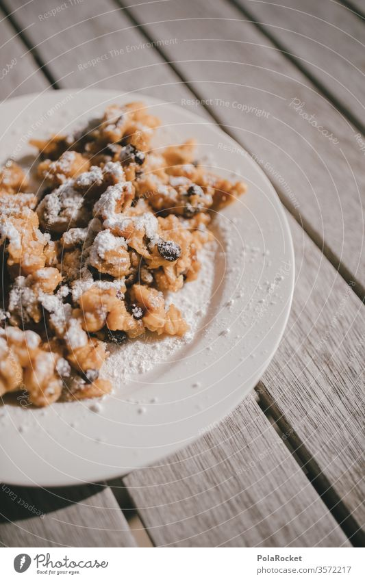 #As# Kaiser! Kaiserschmarrn Essen desert lecker Frühstück Teller Süßwaren Österreicher österreichisch Lebensmittel Backwaren Dessert Ernährung süß Farbfoto
