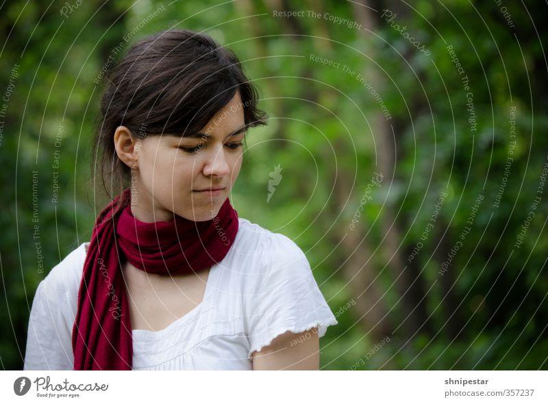 Bjjjjjjjjiuuuuutifulll Mensch Frau Natur Jugendliche schön Erholung ruhig Junge Frau Wald Erwachsene Gesicht Umwelt Leben feminin 18-30 Jahre Frühling