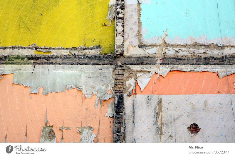 zarte I Farbkombination Fassade Abrissgebäude rosa gelb hellblau kaputt Verfall Ruine Architektur Zerstörung Wandel & Veränderung Gebäude Vergänglichkeit alt