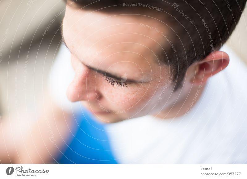 The handsome one Mensch Jugendliche blau schön weiß Erwachsene Junger Mann 18-30 Jahre Leben Kopf maskulin sitzen Nase Freundlichkeit Ohr brünett