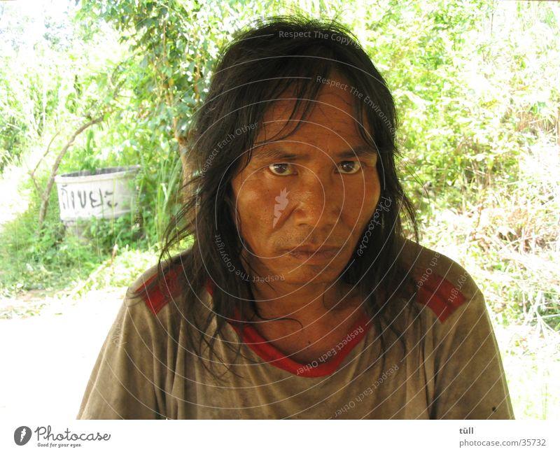 thailand - pai Mann dreckig Arme Asien Wildtier ernst Thailand Indianer Asiate