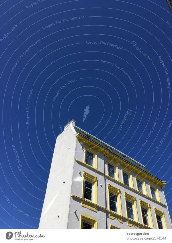 #stayhome stay at home zuhause Gebäude Architektur ottensen altona hamburg himmel Frühling freistehend architektonisch zuhause bleiben daheim minimalistisch