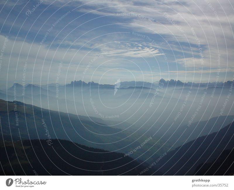 Berglandschaft II Wolken Berge u. Gebirge Nebel Schleier