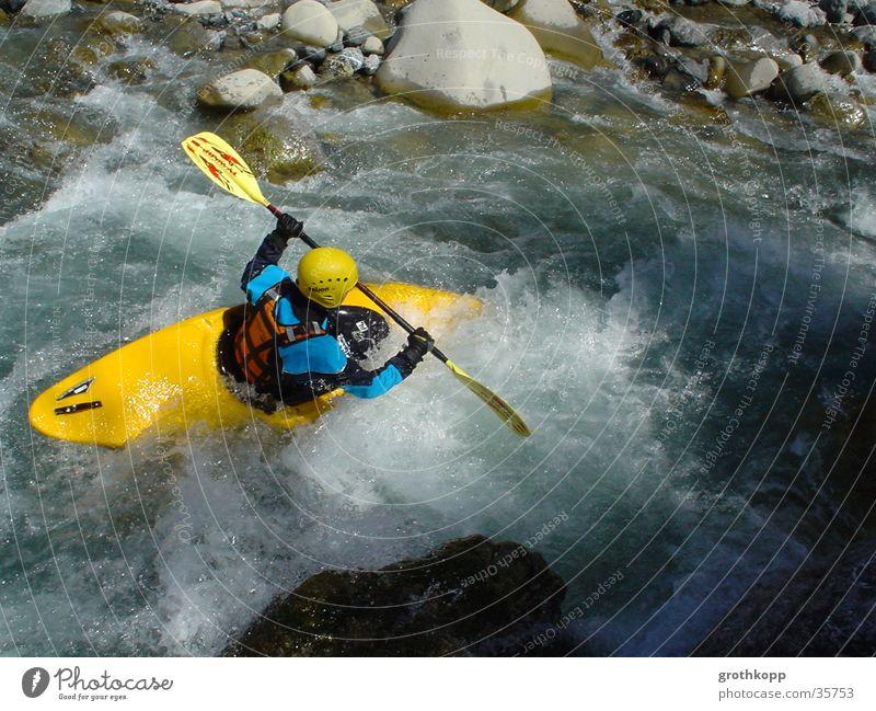 Wildwasser Wasser Wellen Fluss Kanu Kajak Extremsport