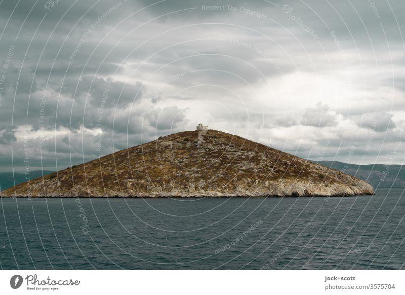 kleine Insel mit großen Haus darauf Griechenland Mittelmeer Euripos Hügel Wolkenformation Ferne Panorama (Aussicht) Horizont Idylle Lichterscheinung Stimmung