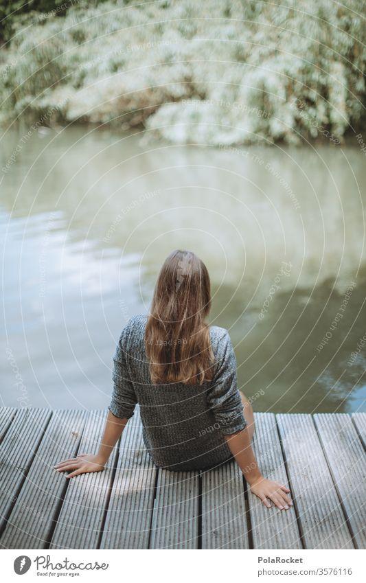 #A10# Sommertag IV shooting Fotografieren Model Seeufer Erholung draußen sitzen Frau entspannen genießen Park Natur Jugendliche naturliebhaber grün Junge Frau