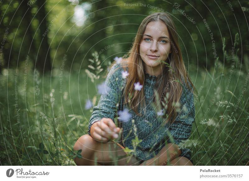 #A# Sommergrün III Model Modellfigur Lächeln Gesicht Gesichtsausdruck Park Außenaufnahme freundlich Ruhe Idylle jugend Oberkörper Spaziergang Jugendliche Frau