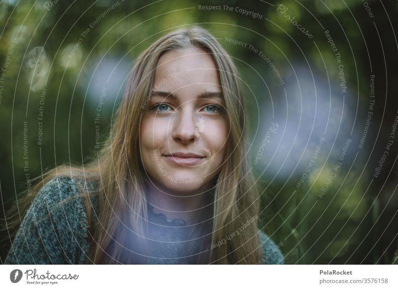 #A# Sommergrün II hübsch Beautyfotografie Erwachsene Jugend Porträt Frau Jugendliche jugend Oberkörper Spaziergang Idylle Ruhe freundlich Außenaufnahme Gesicht