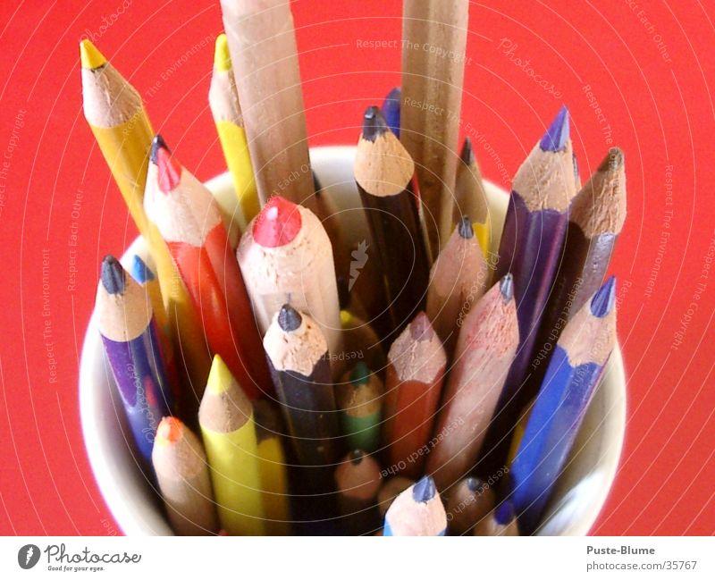 Buntstift Farbe rot Holz zeichnen Schreibstift Bleistift Farbstift