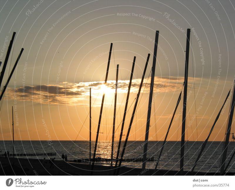 Sonne und Boote Sonnenuntergang Meer Strand Wasserfahrzeug Katamaran Strommast mäste Ostsee