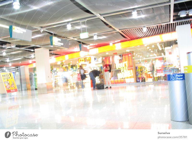 Waiting Architektur Ladengeschäft Flughafen Düsseldorf Duty Free Shop