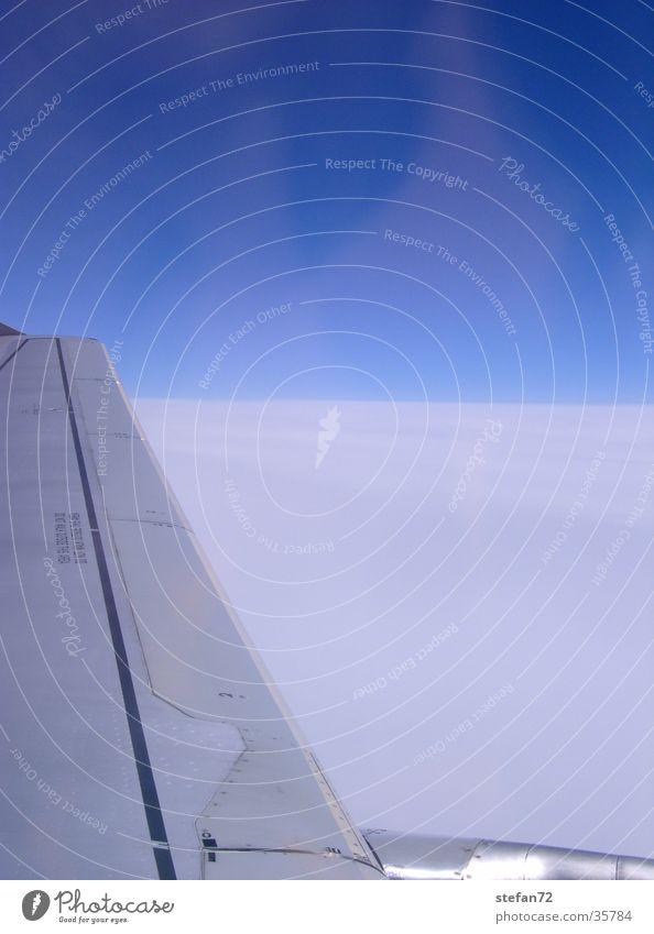 Über den Wolken Himmel Ferien & Urlaub & Reisen Luft Flugzeug Luftverkehr Aussicht Tragfläche