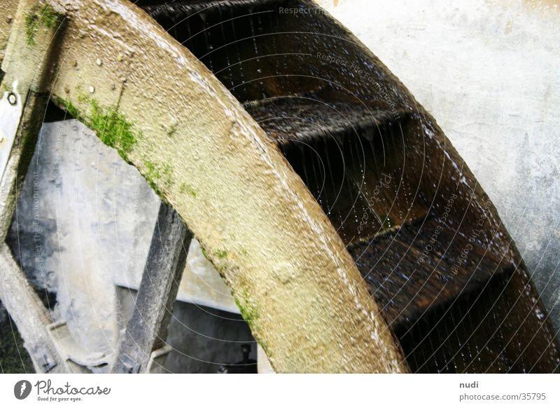 dreh rad, dreh! Natur Holz Industrie drehen Bach veraltet Mühle Wasserrad