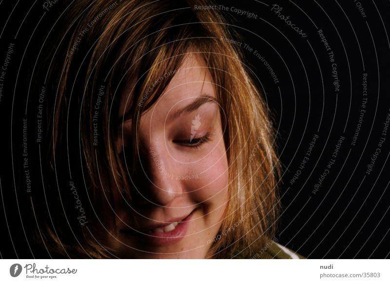 happy Frau Gesicht schwarz dunkel lachen Haare & Frisuren Zufriedenheit Augenbraue