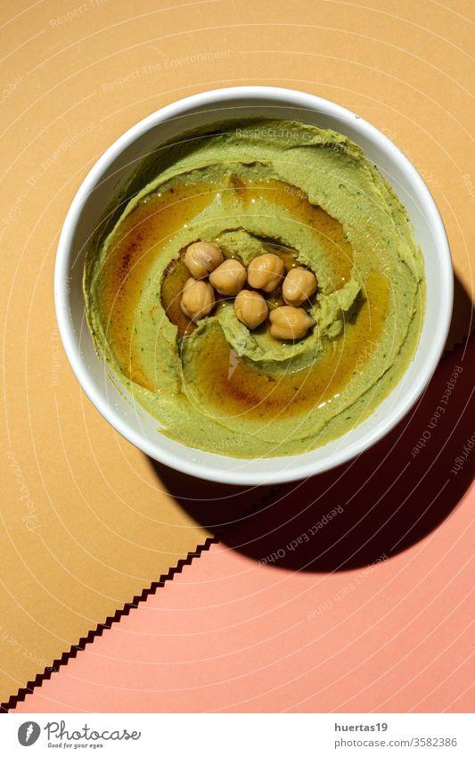 Hausgemachte Avocado und Kichererbsen-Hummus selbstgemacht Lebensmittel gesunde Ernährung Vegetarier Vegane Ernährung Veganer mediterran Diät traditionell