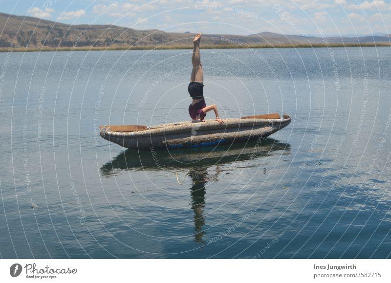 Kopfstand-Kanu Yoga Balance Workout flexibilität Gymnastik calisthenics Sommer Ausflug Abenteuer Tourismus Landschaft Außenaufnahme Ferne Fernweh Freiheit Natur