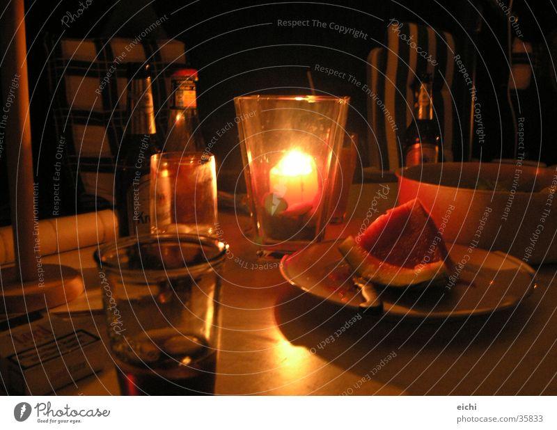 weinselig! dunkel Glas Tisch Kerze Bier Grill Kerzenschein Kochen & Garen & Backen