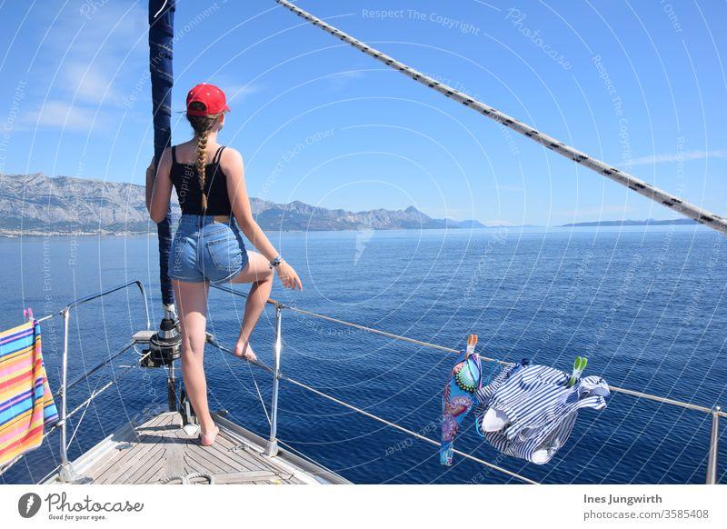 Volle Fahrt voraus! Kroatien Meer Schwester blond blondes Haar haare im wind Haare Haare & Frisuren Tourismus schön ruhig mediterran Horizont Aussicht