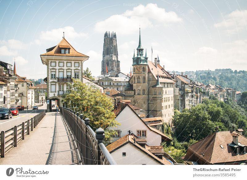 Freiburg Schweiz Kirche Häuserzeile Bauwerk Europa Stadtzentrum Architektur Sehenswürdigkeit