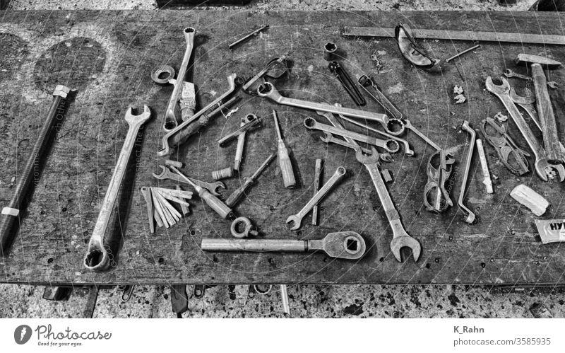 Old tools schraubendreher ausstattung zange work konstruktion metall set stahl hämmern reparatur objekt werkzeugkasten schraubenschlüssel industrie hardware