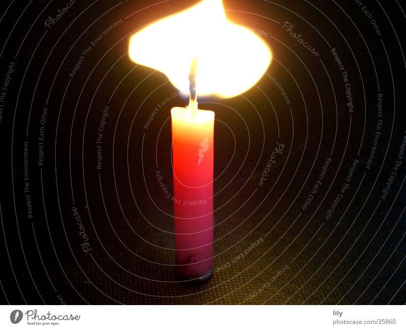 Flamme #1 Kerze brennen Windböe rosa Licht Physik Makroaufnahme Nahaufnahme Brand Wärme Kitsch