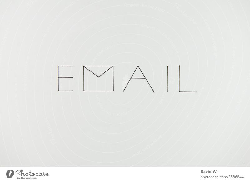 EMAIL Nachricht Brief E-Mail email Message Post Postfach Mitteilung Kommunizieren schreiben Farbfoto Briefumschlag Briefkasten Textfreiraum unten