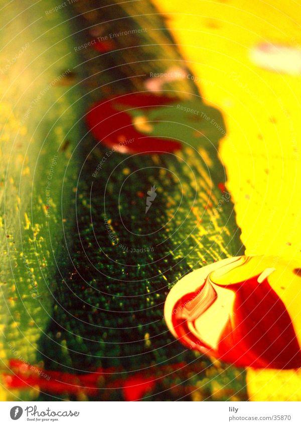 Acryl-Klecks #2 Acrylfarbe Gemälde rot gelb grün Fleck Farbfleck mehrfarbig Makroaufnahme Nahaufnahme streichen Projektionsleinwand Farbgemisch