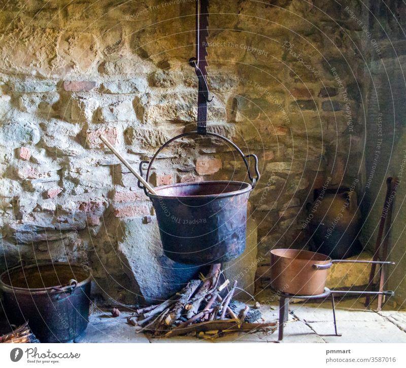 antike Landapotheke, traditionelle Medizin, Cerusic, Druide, Zauberer, Magier Kultur Blatt Apothekerin organisch altehrwürdig Landschaft Tradition Kloster