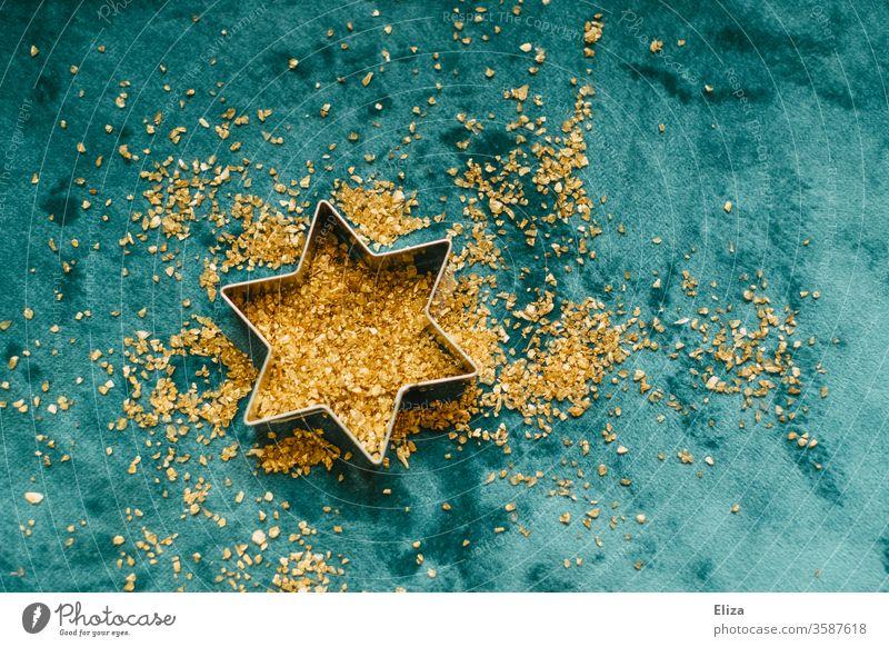 Ausstechform Stern mit goldenem Glitzer. Weihnachten und Advent. blau Gold glitzer festlich Weihnachtsstern Plätzchen backen Plätzchenform Weihnachten & Advent