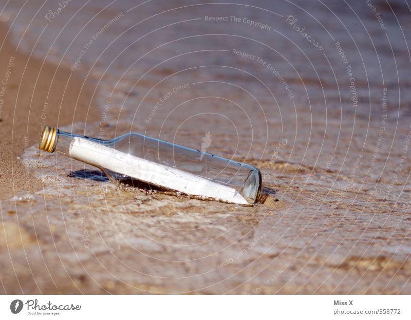 Du hast Post Flasche Strand Meer Wellen Wasser Küste Insel Glas Kommunizieren Schwimmen & Baden alt Zusammensein Flaschenpost Angespült Strandgut Schatz