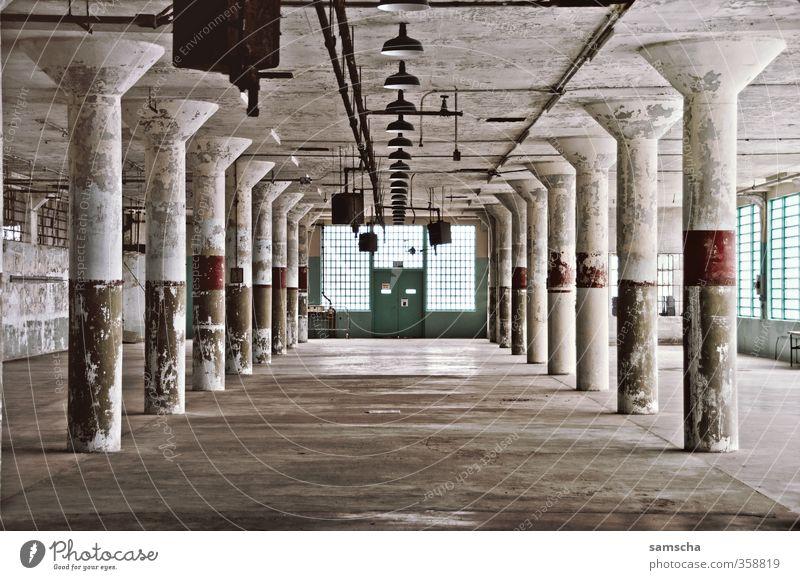 Abrissbude Innenarchitektur Haus Bauwerk Gebäude Architektur Mauer Wand Tür Sehenswürdigkeit alt Justizvollzugsanstalt Gefängniszelle Alcatraz baufällig Altbau