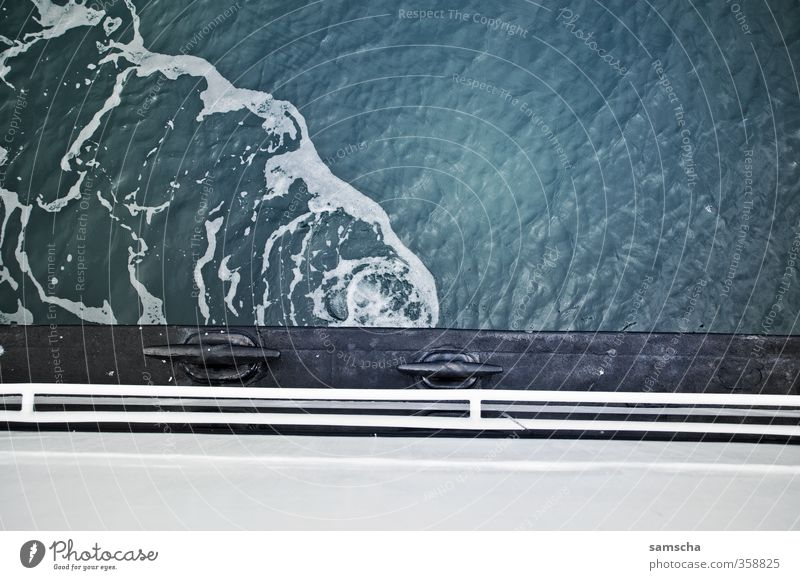 auf dem Schiff Ferien & Urlaub & Reisen Wasser Meer Umwelt See Wasserfahrzeug Wellen Tourismus Verkehr nass Ausflug Schifffahrt Wasseroberfläche Personenverkehr unterwegs Fähre
