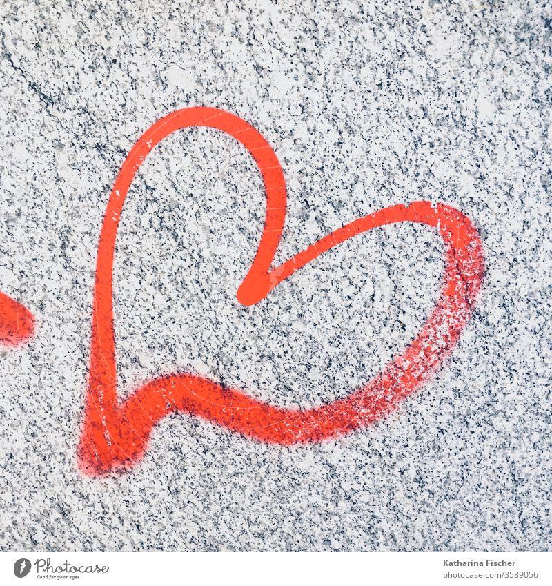 Love Herz Graffiti Liebe Außenaufnahme Farbfoto Wand Zeichen Schriftzeichen Textfreiraum unten Romantik Nahaufnahme Gefühle Menschenleer Tag Glück Lebensfreude