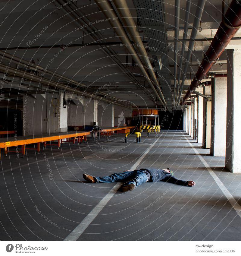 850th - Chillen im Keller des Flughafen Mensch Jugendliche Mann Erholung Junger Mann Einsamkeit Haus 18-30 Jahre Erwachsene Leben Architektur Wege & Pfade Linie