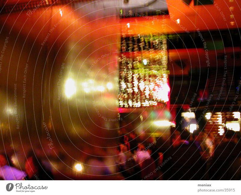 rumjung Disco Nachtleben Party Unschärfe Innenaufnahme