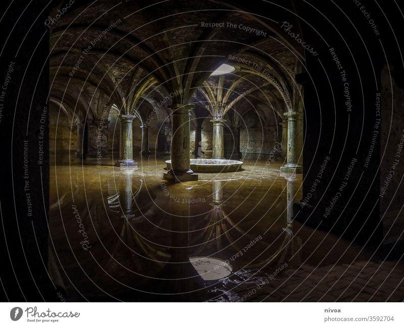 Portugiesische Zisterne El Jadida Marokko Wasserspiegelung Farbfoto Wassertank Architektur Reflexion & Spiegelung Menschenleer Tag Gebäude Bauwerk Ständer