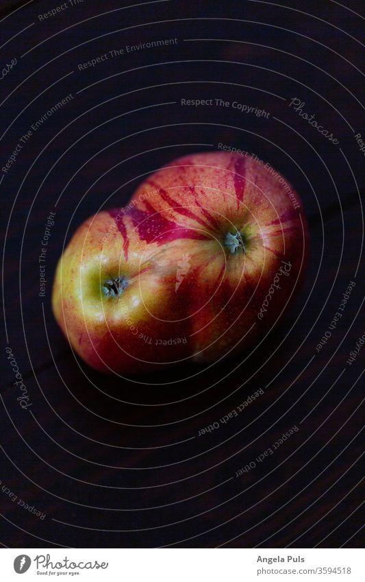 Apfel Liebe rot Natur Ernährung Gesundheit Essen essen und trinken siamesisch Lebensmittel Farbfoto Frucht frisch Nahaufnahme Vegetarische Ernährung