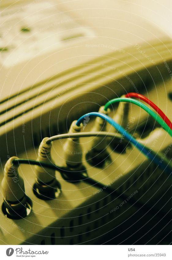 Plug'n Play Farbe Computer Technik & Technologie Kabel Anschluss RGB Elektrisches Gerät